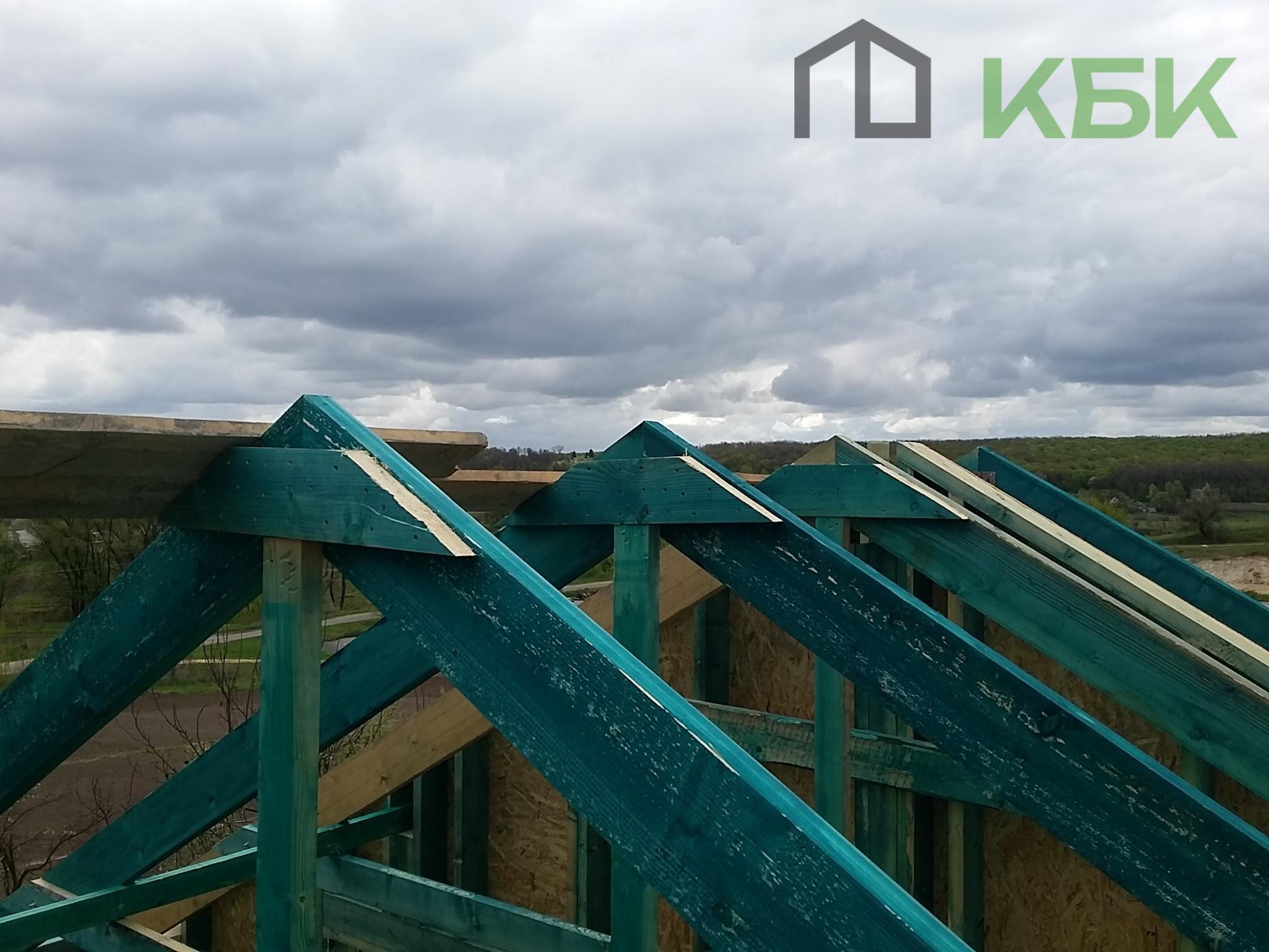Будівництво каркасного будинку під ключ установка даху фото